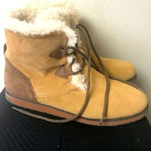 EMU wool lined suede lace up boots